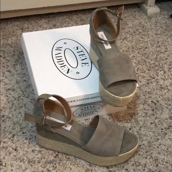 cdc921d7e8d Steve Madden Shoes - Steve Madden Apolo Wedges - taupe BRAND NEW